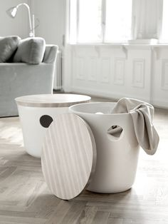 Kähler's Unit series consists of a number of beautiful, multi-functional pieces of ceramic furniture. This low version of Unit in white is a stylish and elegant piece of furniture. Laundry Room Wall Decor, Laundry Room Design, Living Room Decor, Bathroom Laundry, Ceramic Furniture, Ceramic Table, Danish Design Store, Vintage Laundry, Room Accessories