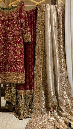 Pakistani Dresses Party, Desi Wedding Dresses, Beautiful Pakistani Dresses, Bridal Dresses, Reception Dresses, Dress Wedding, Wedding Bride, Fancy Dress Design, Frock Design