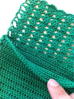 free shell stitch crochet pattern | Crochet Pattern Tissue Holder closeup