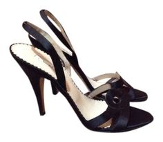 Oscar De La Renta Satin Black Pumps. Get the must-have pumps of this season! These Oscar De La Renta Satin Black Pumps are a top 10 member favorite on Tradesy. Save on yours before they're sold out!