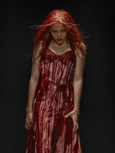 Chloe Grace Moretz In-person Autographed Photo From Carrie - deal sites Carrie Halloween Costume, Looks Halloween, Hallowen Costume, Creepy Halloween, Costume Ideas, Halloween 2018, Halloween Makeup, Horror Movie Costumes, Horror Halloween Costumes