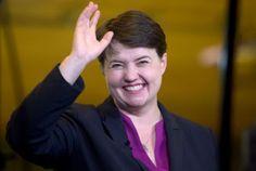 El independentismo pierde terreno en Escocia. Los Nacionalistas de Nicola Sturgeon no logran mantener el extraordinario resultado de 2015. Gran subida de los conservadores. María R. Sahuquillo   El País, 2017-06-09 http://internacional.elpais.com/internacional/2017/06/09/actualidad/1496973878_000360.html