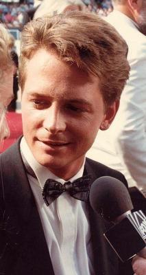 Michael J Fox - photo postée par Michael J Fox Young, Michael Fox, Alex P Keaton, Fox Now, Spin City, Bttf, Marty Mcfly, Back To The Future, Good Looking Men