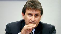 O doleiro Alberto Youssef deixou nesta quarta-feira (16) a prisão em Curitiba onde estava há dois anos e oito meses pelos crimes que cometeu dentro do esquema de corrupção criado na Petrobras e inv…