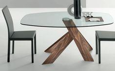 Moa Kitchen Table