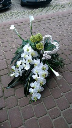 Funeral Flower Arrangements, Beautiful Flower Arrangements, Funeral Flowers, Floral Arrangements, Beautiful Flowers, Wedding Flowers, Grave Decorations, Bridal Brooch Bouquet, Event Styling