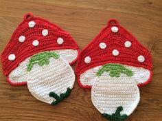 Crochet Cake, Crochet Books, Love Crochet, Filet Crochet, Crochet Motif, Crochet Patterns, Crochet Potholders, Crochet Kitchen, Mug Rugs