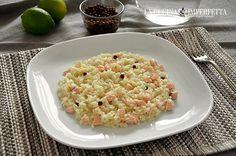 Il risotto con salmone, lime e pepe rosa è un piatto dal gusto delicato. Lime e pepe rosa regalano una piacevole nota di freschezza.