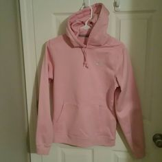 Under Armour hoodie Like new pink Under Armour hoodie. Sz S. Got it & wore it a couple times before I decided I needed a med :-). Excellent condition. I bundle with a discount Under Armour Tops Sweatshirts & Hoodies