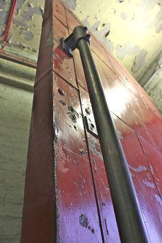 Industrial Dark Steel Pipe Door Pull Handle  от inspiritdeco, £125.00