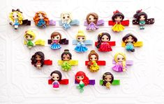 These Disney Princess Clay Clips are the perfect little accessory for completing your hairstyle. Not only are the absolutely adorable, but they will add Polymer Clay Disney, Polymer Clay Crafts, Diy Clay, All Disney Princesses, Disney Princess Frozen, Disney Word, Disney Cast Member, Disney College Program, Disney Addict