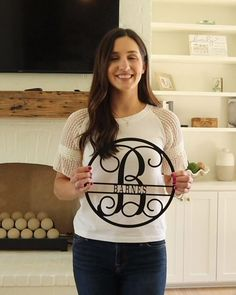 Do you love to redesign your house backyard, as much as I do? I am pretty sure, your answer is yes :-) Here is a post related with backyard design. Vine Monogram, Monogram Signs, Monogram Initials, Diy Home Decor, Room Decor, Things To Buy, Stuff To Buy, Diy Desk, Fall Decor