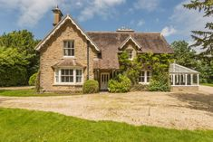 4 bedroom detached house for sale in Charlton, Malmesbury - Rightmove. Altar, Bungalow House Plans, Character Home, House Goals, Life Goals, Architecture Drawings, Double Bedroom, Cottage Homes, New Builds