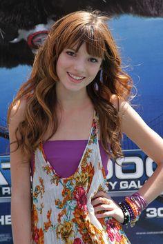 bella thorne cats and dogs movie prem photos | Premiere Of Warner Bros. Cats And Dogs 2 - Arrivals (Bella Thorne)