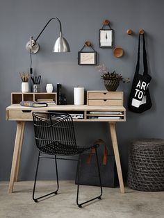 Home Office Space Design Ideas is a part of our furniture design inspiration series. Furniture Inspiration series is a weekly showcase of incredible designs Home Office Space, Home Office Design, Home Office Decor, Office Furniture, Furniture Design, Home Decor, Office Ideas, Small Office, Pallet Furniture