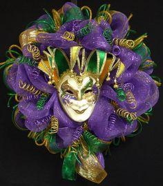 Mardi Gras Jester Mask Wreath Mardi Gras Beads by wreathsbyrobin, Mardi Gras Wreath, Mardi Gras Decorations, Mardi Gras Beads, Mardi Gras Party, Halloween Decorations, Deco Mesh Wreaths, Door Wreaths, Mardi Grad, Jester Mask