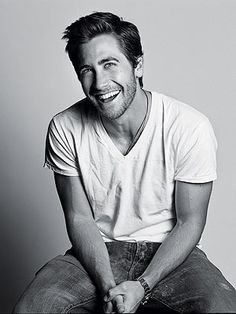 Jake Gyllenhaal men-i-want-to-have-my-babies-with