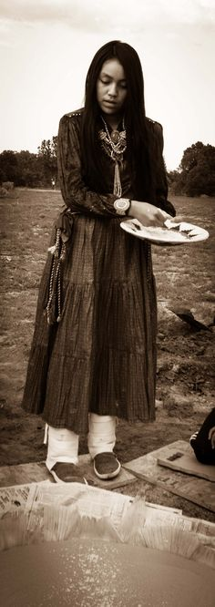 TF Kinaalda -  Blessing of her cake
