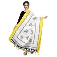 Khadi Printed Dupattas from Westofashion Khada Dupatta, Silk Dupatta, Dupatta Setting, Heavy Dupatta, Bridal Dupatta, Anarkali Suits, Types Of Fashion Styles, Trendy Fashion, Womens Fashion