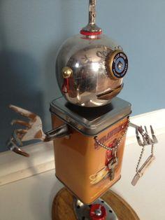 """Robot Assemblage/Sculpture """"LL61"""" Found Object - Junk Art"""