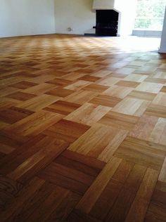 Refinishing Hardwood Floors, Parquet Flooring, Floor Sitting, Damier, Living Spaces, Living Room, Woodworking Techniques, Elle Decor, Home Interior