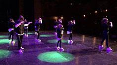 Little Noise nuestros grandes bailarines! encima del escenario del Campeonato D'zanp! de Bilbao