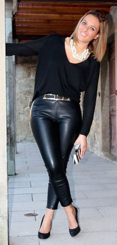 Great outfit to balance pear shape Casual Chique, Casual Wear, Casual Outfits, Cute Outfits, Look Fashion, Autumn Fashion, Fashion Outfits, Womens Fashion, Leather Dresses