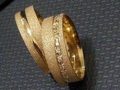 Beautiful Wedding Rings, Gold Wedding Rings, Wedding Ring Bands, Wedding Jewelry, Gold Rings, Couple Rings Gold, Engagement Rings Couple, Solitaire Engagement, Wedding Band Engraving