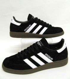WHERE WOULD ADIDAS BE WITHOUT THIS TRADITIONAL COLOUR COMBO, BE IT IN A SAMBA, BAMBA, GAZELLE OR ON THESE SPEZIALES