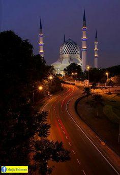 Sultan Salahuddin Abdul Aziz Masjid in Shah Alam, Malaysia