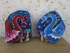 Painted Rock Ideas - Do you need rock painting ideas for spreading rocks around your neighborhood or the Kindness Rocks Project? Here's some inspiration with my best tips! Pebble Painting, Pebble Art, Stone Painting, Dot Painting, Mandala Painted Rocks, Painted Rocks Kids, Painted Stones, Painted Pebbles, Stone Crafts