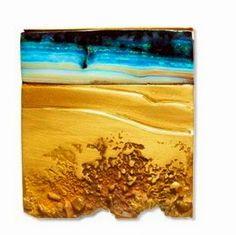 Thierry Vendome – 'marée basse' broche or jaune noirci, opale d'Australie