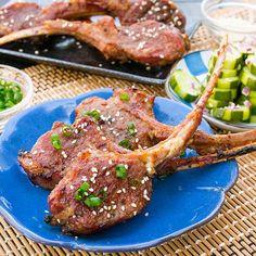 Grilled Korean Kalbi Lamb Chops - You'll want to try this Korea-meets-New-Zealand idea. Bbq Lamb Chops, Lamb Ribs, Beef Ribs, Barbecued Lamb, My Recipes, Cooking Recipes, Korean Recipes, Lamb Burgers, Lamb Meatballs