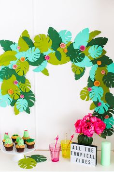 GIVE ME THOSE TROPICAL VIBES PLEASE! Love this #diy #summer