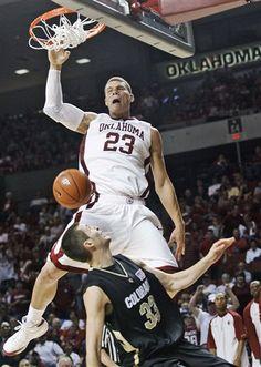 Sooner Legend Blake Griffin I Love Basketball, Basketball Legends, College Basketball, Michael Jordan, Mike Jordan, Slam Dunk, Nba Players, Basketball Players, Lebron James