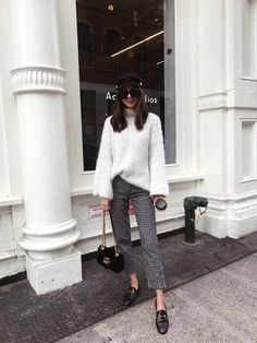 20 Outfits We Want to Copy Right Now - Loafers Outfit - Ideas of Loafers Outfit - Sweater patterned trousers loafers // 20 Winter Outfits We Want to Copy Right Now Moda Fashion, Trendy Fashion, Fashion Outfits, Womens Fashion, Fashion Trends, Fashion Bloggers, Style Fashion, Cute Winter Outfits, Spring Outfits