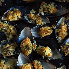 Gratinerade musslor med pecorino | Recept ICA.se