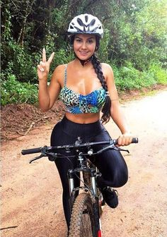 As a beginner mountain cyclist, it is quite natural for you to get a bit overloaded with all the mtb devices that you see in a bike shop or shop. There are numerous types of mountain bike accessori… Road Bike Women, Bicycle Women, Bicycle Girl, Cycling Girls, Cycling Wear, Cycling Outfit, Mountain Bike Shoes, Cycle Chic, Sporty Girls