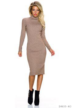 Rochie Fall Day Cream. Rochie tricot, mulata pe corp din material elastic. Are maneci lungi si este genul de rochie care iti va scoate in evidenta silueta. Asorteaz-o cu botine sau cizme mai inalte si cu siguranta te vei simti feminina si pe temperaturile mai scazute din acest sezon.