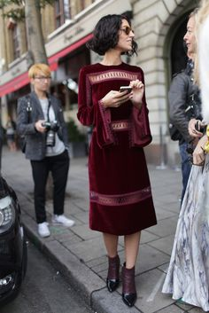 London Fashion Week street style [Photo by Kuba Dabrowski]
