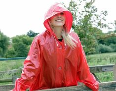 Girls Raincoat, Red Raincoat, Vinyl Raincoat, Raincoat Jacket, Plastic Raincoat, Rain Jacket, Rain Fashion, Rainy Day Fashion, Imper Pvc