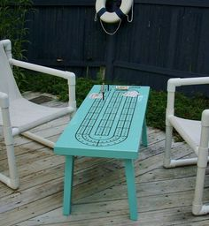 Cribbage Board table. So cool. Wonder if there could be a yatzee table top too...with counters for points...
