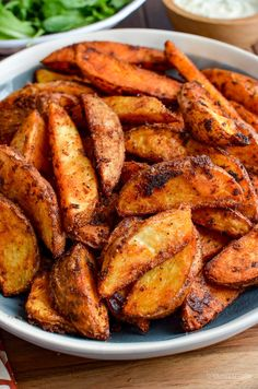 Add a spicy kick to your main course, with this delicious and healthier oven-baked Syn Free Spicy Potato Wedges - yum! Gluten Free, Dairy Free, Vegetarian, Slimming World and Weight Watchers friendly Crispy Baked Potato Wedges, Spicy Potato Wedges, Potato Wedges Recipe, Spicy Fish Recipe, Spicy Recipes, Easy Healthy Recipes, Potato Recipes, Cooking Recipes, Cooking Ideas
