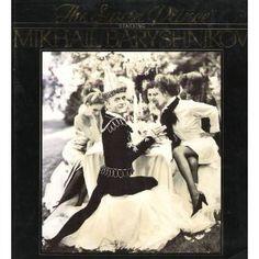 Baryshnikov as the swan-obsessed Prince, Oscar de la Reinta as Rothbart in a hilarious Swan Lake inspired story. Ballet Books, World Best Photographer, Arthur Elgort, Mikhail Baryshnikov, Perfect Model, Swan Lake, Dance Photography, Best Photographers, Good Books