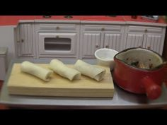 MiniFood Mitarashi dumpling 食べれるミニチュアみたらし団子 - YouTube