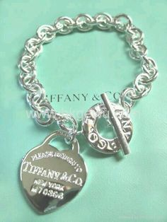 Return to Tiffany Bracelet. Happiness is in a Tiffany Blue Heart! Tiffany And Co Jewelry, Tiffany Bracelets, Tiffany Necklace, Tiffany & Co., Tiffany Outlet, The Bling Ring, Copics, Diamond Are A Girls Best Friend, Jewerly