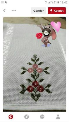 This Pin was discovered by Eli Cross Stitch Heart, Cross Stitch Borders, Cross Stitch Flowers, Cross Stitch Designs, Cross Stitching, Cross Stitch Embroidery, Cross Stitch Patterns, Heart Quilt Pattern, Palestinian Embroidery
