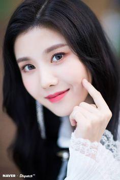 Photo album containing 7 pictures of Eunbi