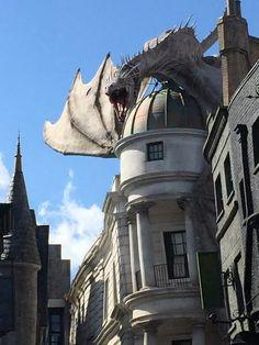 Universal Studios o melhor para os adultos | Blog da Mari Calegari Orlando Florida, Parque Universal, Universal Studios, Pisa, Disney, My Dream, Tower, World, Building