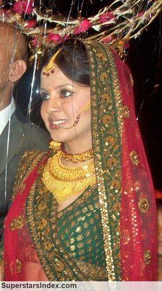 M.S. Dhoni's wife.. wearing traditional kumaoni jewellery